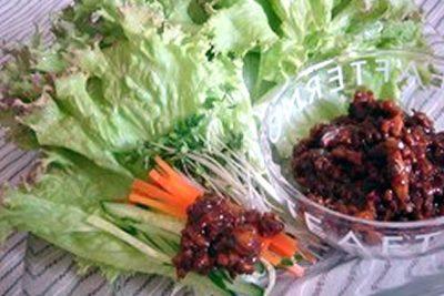 肉みそ野菜巻き