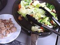 鶏肉とキャベツホイコーロー風